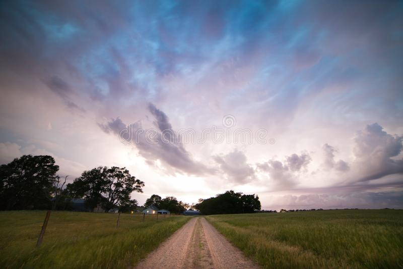 Tempesta d'avvicinamento nel Nebraska di nordest fotografia stock