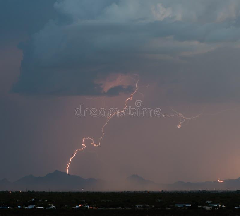 Tempesta di deserto immagine stock
