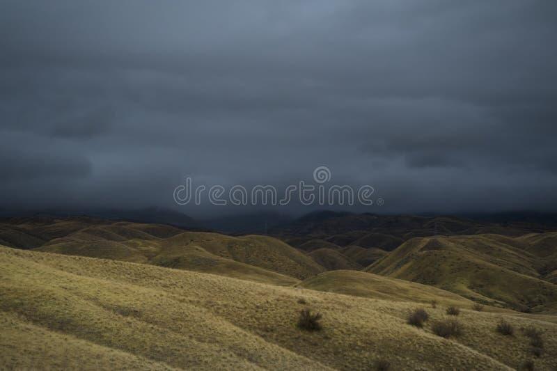 Download Tempesta di deserto fotografia stock. Immagine di collinoso - 7304638