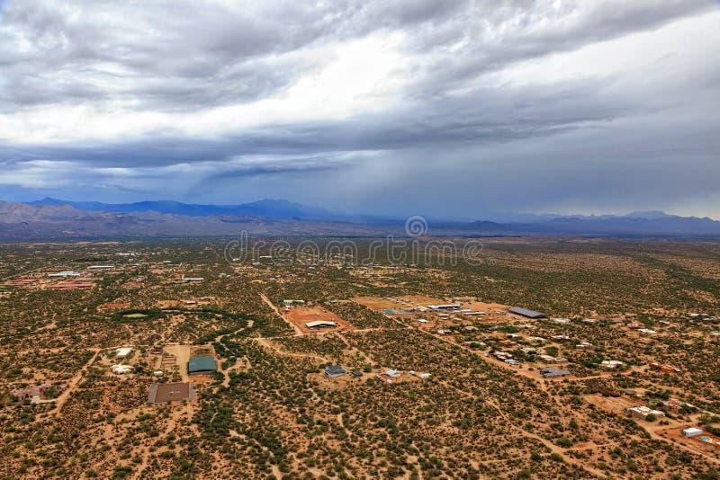 Tempesta di monsone sopra il deserto fotografia stock libera da diritti