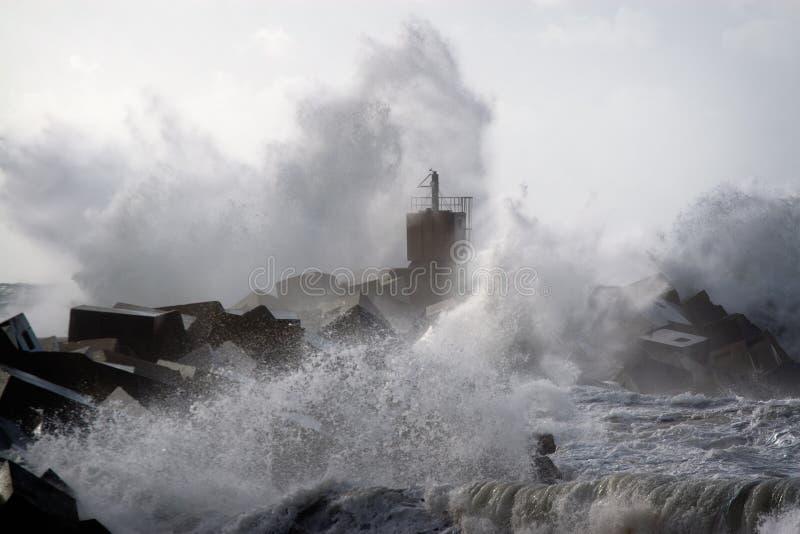 Tempesta sul litorale fotografia stock