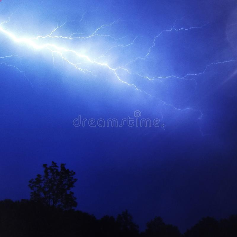Tempestad de truenos y relámpago fotos de archivo