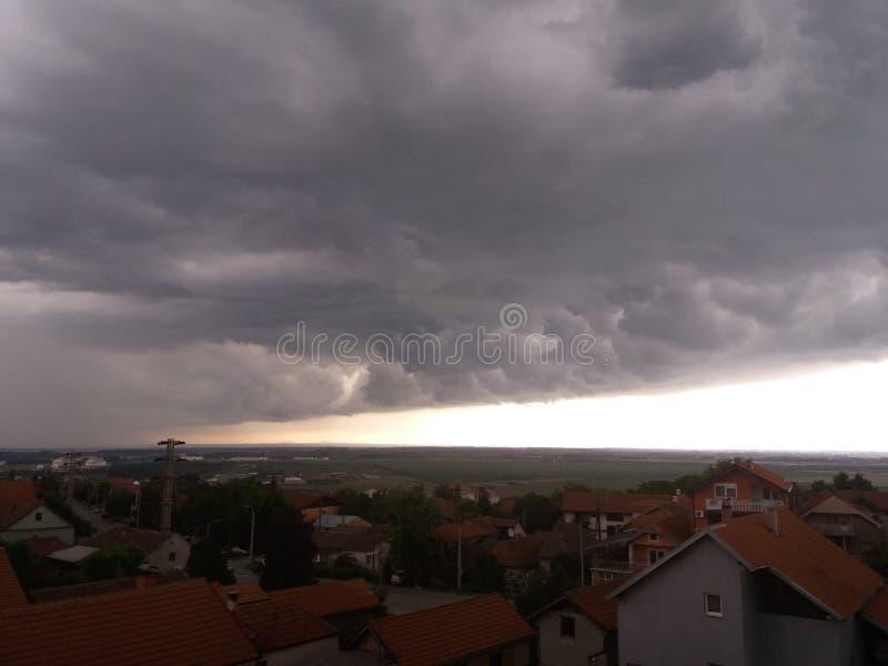 Tempestade acima de Smederevo foto de stock