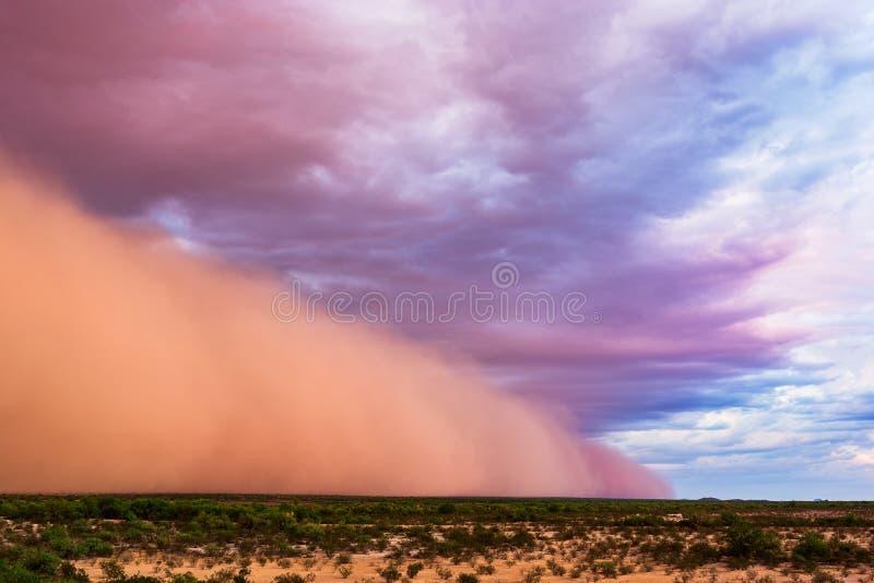 Tempestade da poeira no por do sol no deserto do Arizona fotografia de stock royalty free