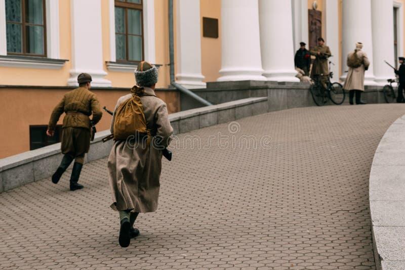 Tempestade de outubro Bolsheviks dos revolucionários o palácio fotos de stock royalty free
