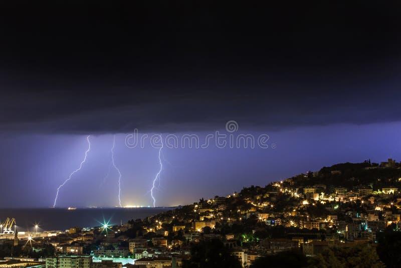 Tempestade do relâmpago fotos de stock