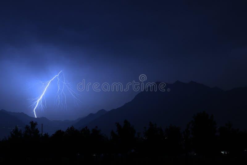 Tempestade do relâmpago do verão imagem de stock
