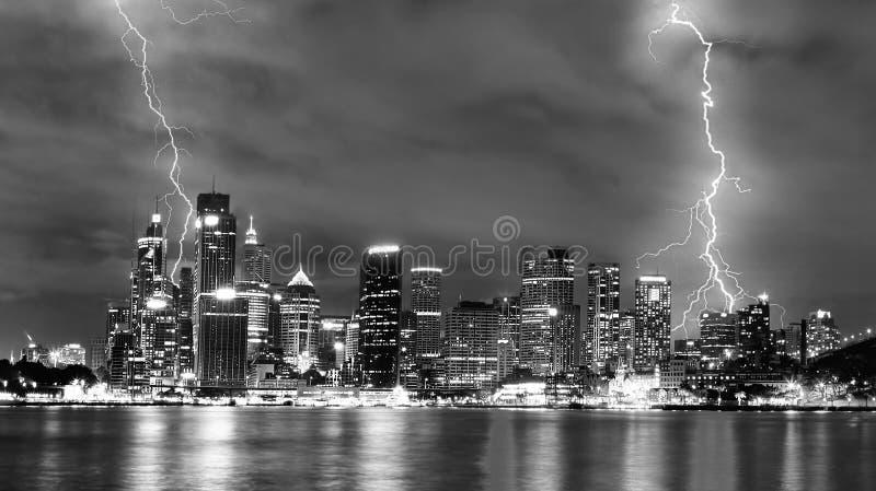 Tempestade na cidade imagens de stock royalty free