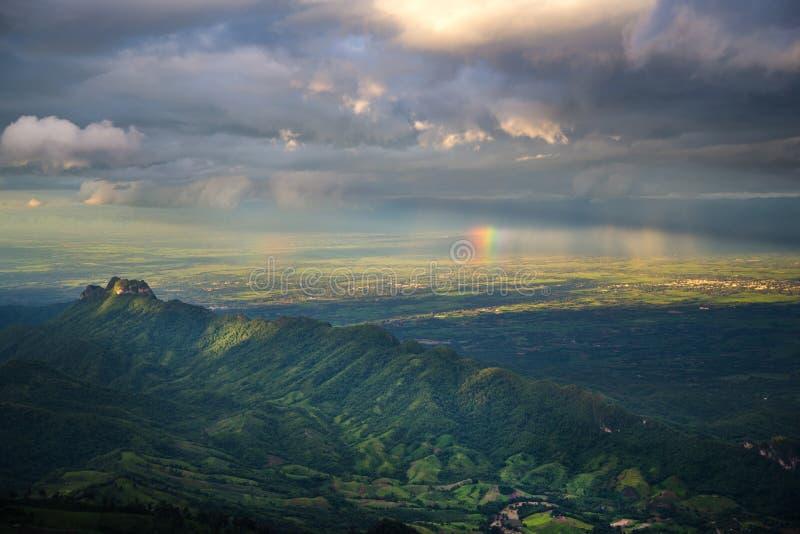 Tempestade na montanha foto de stock royalty free