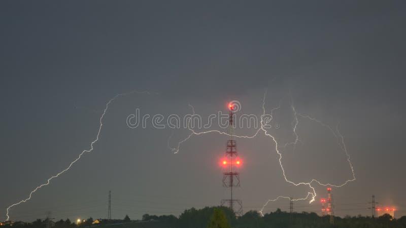 Tempestade no horizonte da noite imagem de stock royalty free