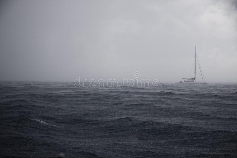 Tempestade no oceano foto de stock