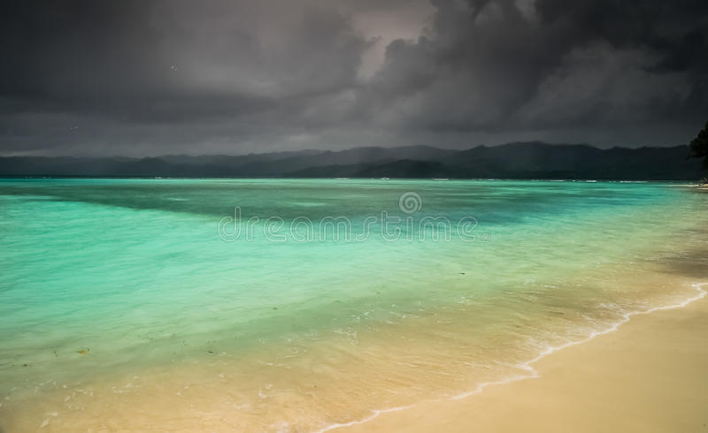 Tempestade sobre o paraíso fotos de stock royalty free