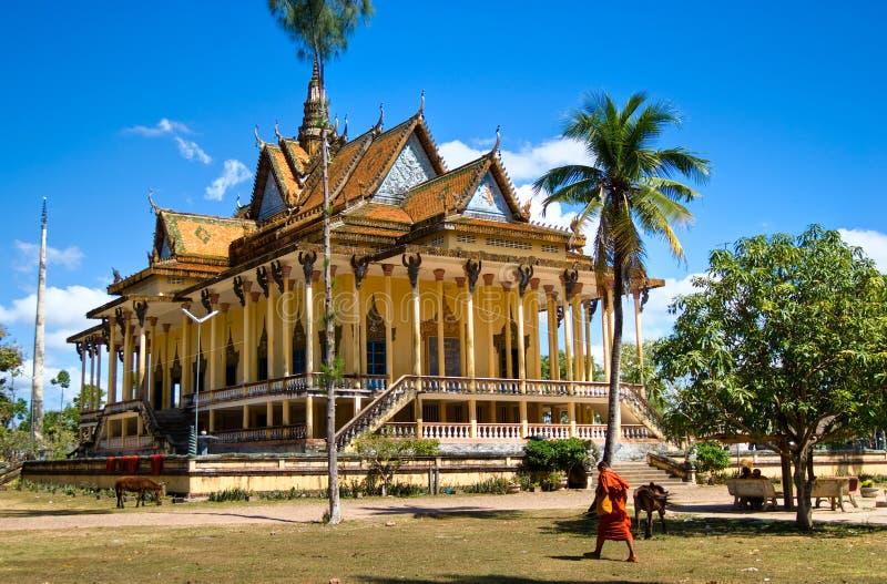 Tempiale buddista intorno a Kratje, Cambogia. fotografie stock