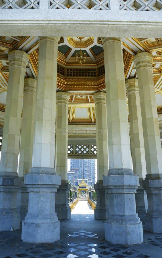 Tempiale buddista in Tailandia immagine stock