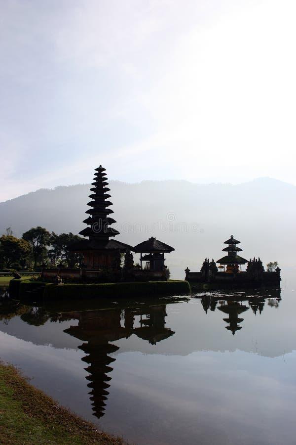 Tempiale del lago Bratan immagini stock