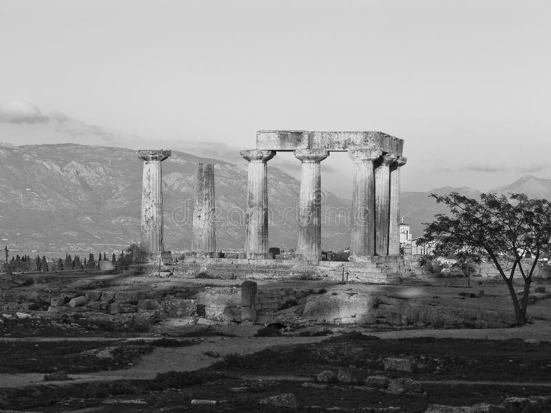 Tempiale dell'Apollo a Corinth Grecia fotografia stock