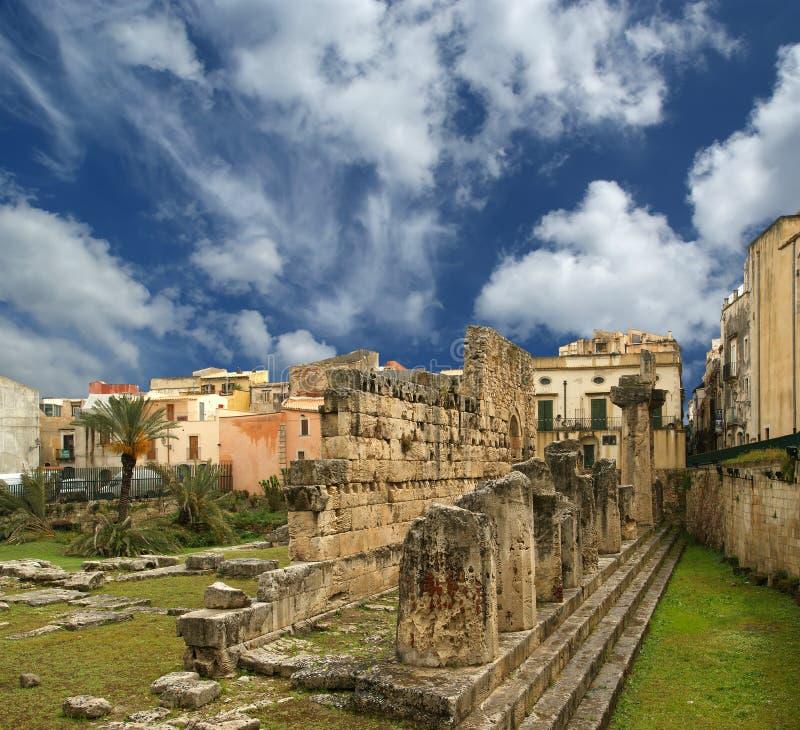 TEMPIALE dell'APOLLO del greco antico. Siracusa immagini stock