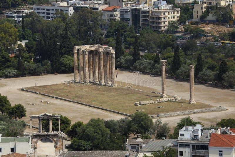 Tempiale delle rovine dello Zeus di olimpionico, Atene, Grecia fotografia stock libera da diritti