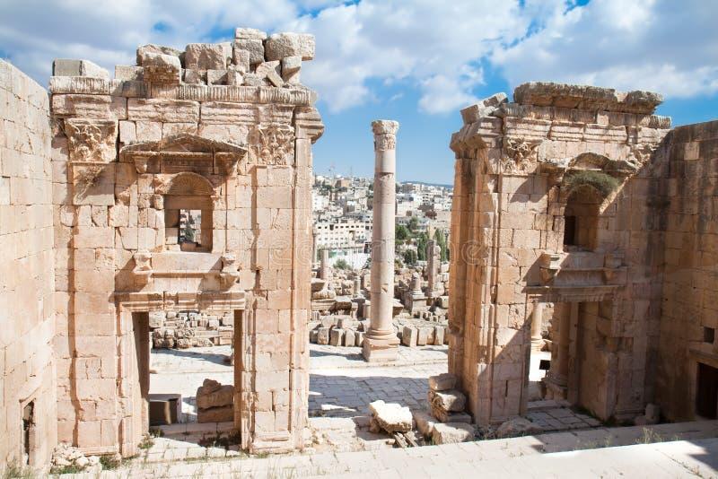 Tempiale di Artemis - di Propylaea. Jerash fotografie stock
