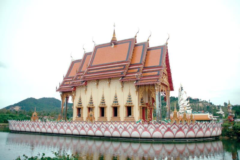 Tempiale di Wat Pai Laem fotografia stock libera da diritti