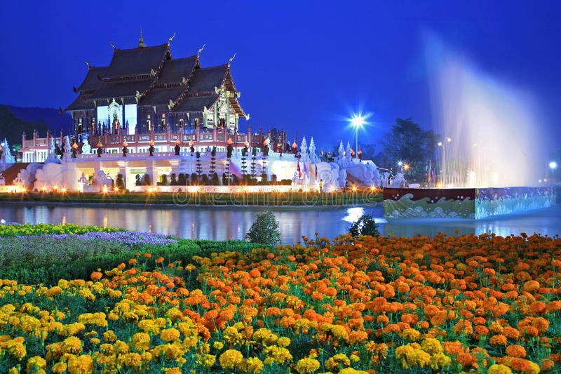 Tempiale reale della flora (ratchaphreuk) Chiang Mai, Tha immagine stock libera da diritti