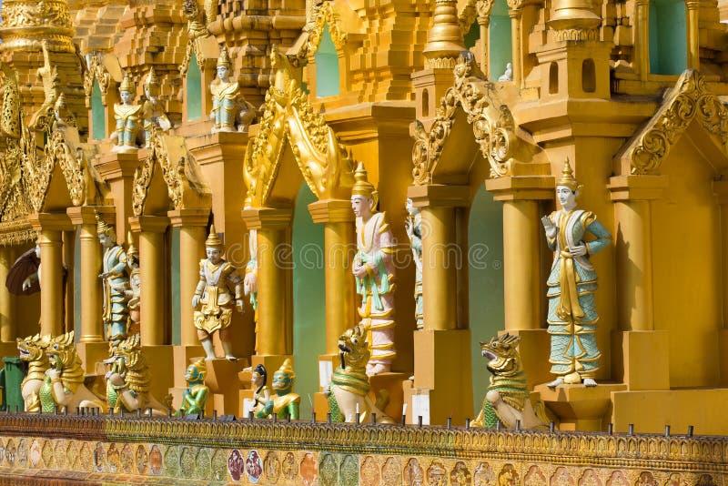 Tempie buddisti della pagoda di Shwedagon Rangoon, Myanmar Birmania fotografia stock libera da diritti