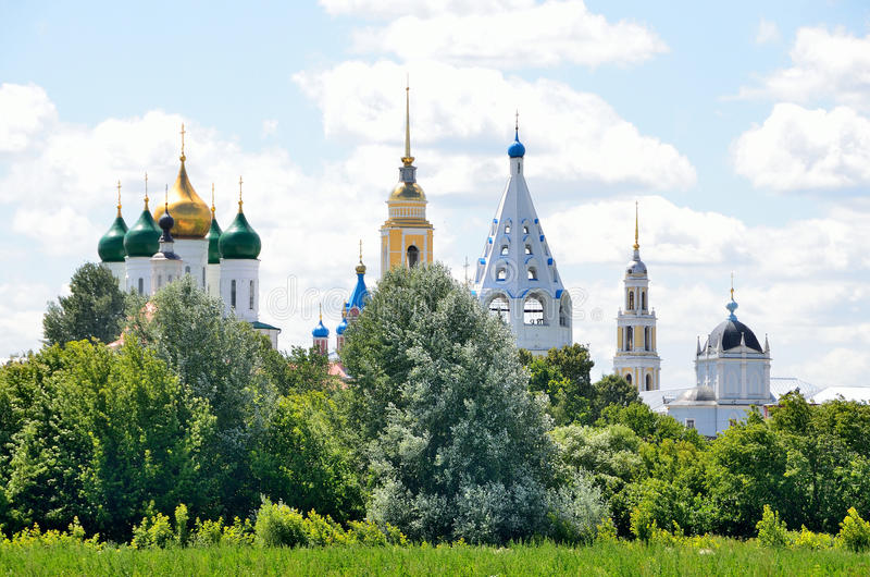 Tempie del Cremlino di Kolomna, regione di Mosca, Russia fotografia stock
