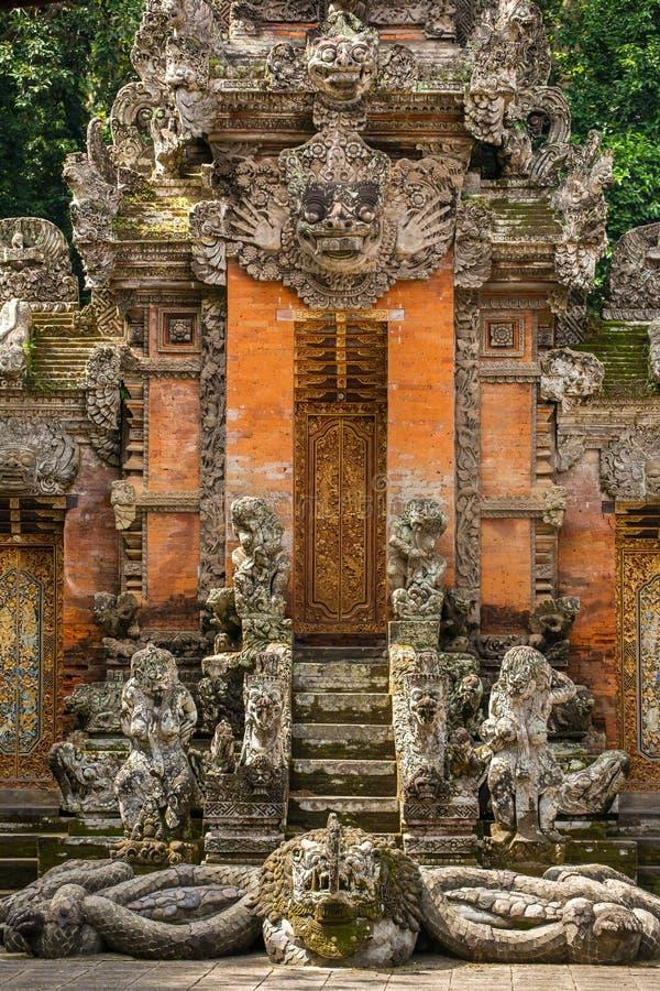 Tempio alla scimmia Forest Sanctuary in Ubud immagine stock