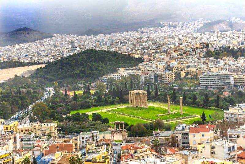 Tempio antico Zeus Greek Neighborhoods From Acropolis Atene Gr fotografia stock