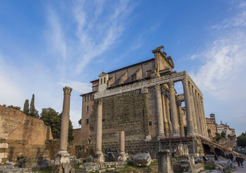Tempio Antonius Faustina Roman Forum Rome Italy fotografie stock libere da diritti