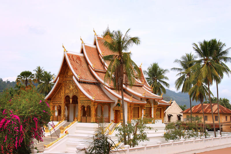 Tempio buddista al complesso di Kham del biancospino (Royal Palace) in Luang Prabang (Laos) immagini stock