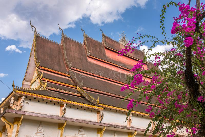 Tempio buddista di architettura del tetto in Vientian fotografie stock