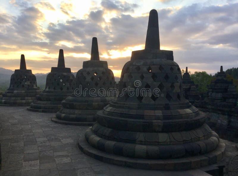 Tempio buddista di Borobudur Stupas Vicino a Yogyakarta su Java Island, l'Indonesia immagini stock libere da diritti