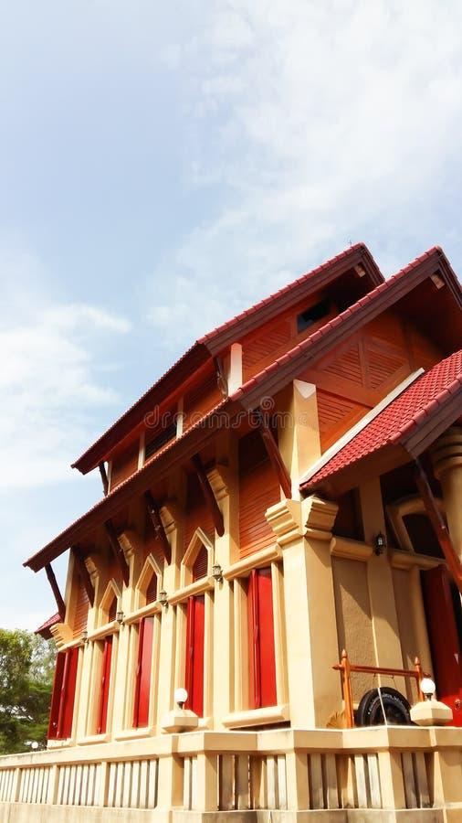 Tempio con il cielo immagine stock libera da diritti