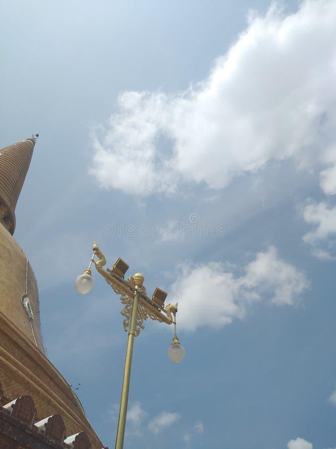 Tempio con il cielo fotografie stock