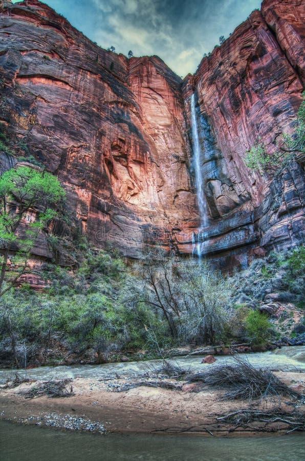 Tempio della cascata di Sinawava immagine stock libera da diritti