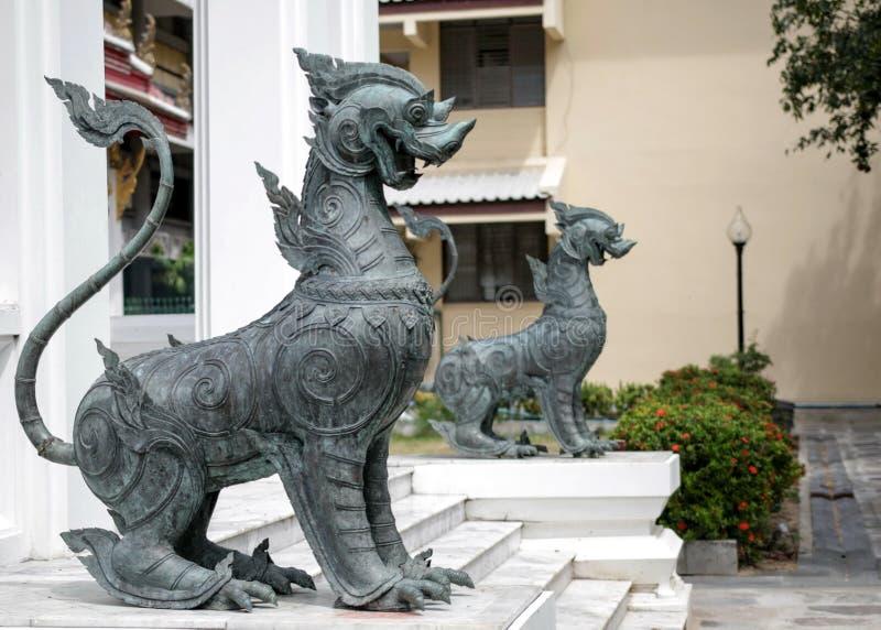 Tempio della statua del leone fotografia stock