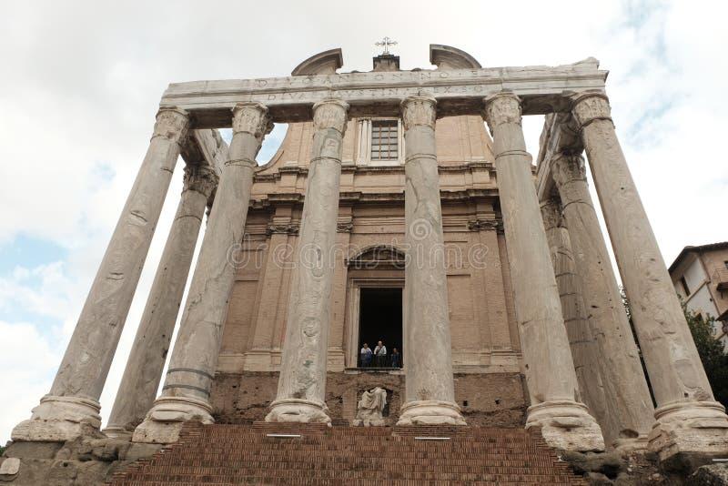 Tempio delle rovine di Caesar durante il giorno fotografie stock libere da diritti