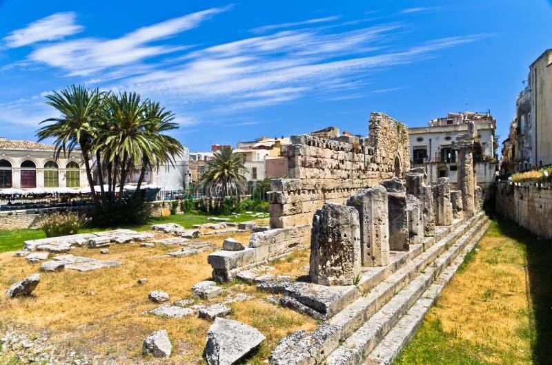 Tempio di Apollo, monumento del greco antico in Ortigia, Siracusa, Sicilia fotografia stock