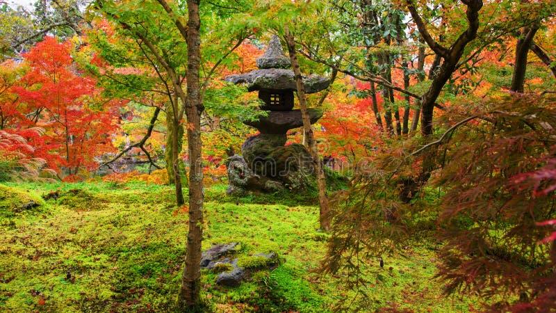 Tempio di Eikando, santuario nel giardino di autunno, Kyoto fotografie stock libere da diritti