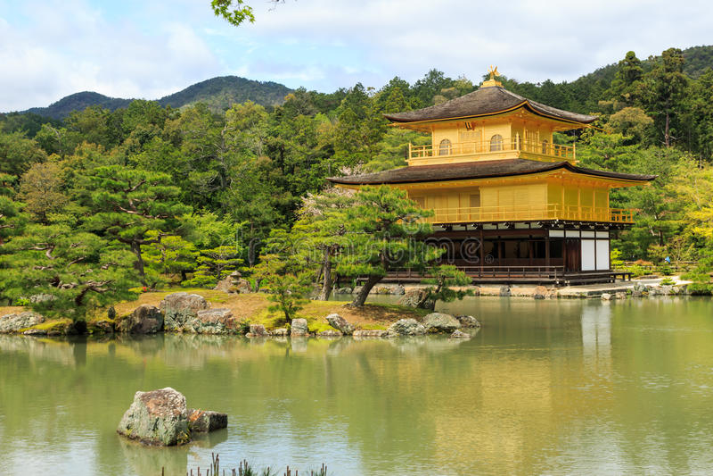 Tempio di Kinkaku-ji, Kyoto Giappone immagine stock libera da diritti