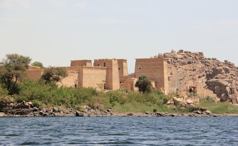 Tempio di Philae sull'isola di Agilkia come visto dal Nilo Egypt immagine stock libera da diritti