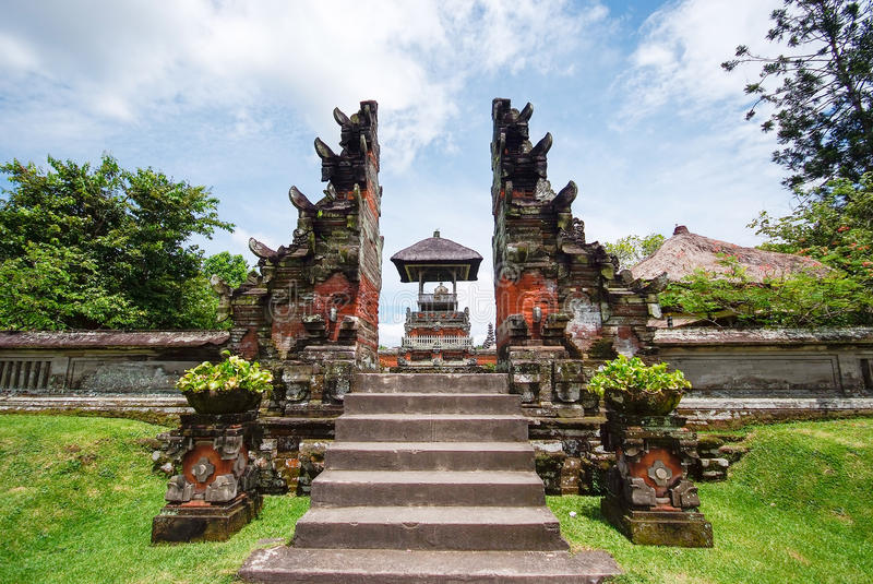 Tempio di Pura Taman Ayun a Bali, Indonesia fotografia stock libera da diritti