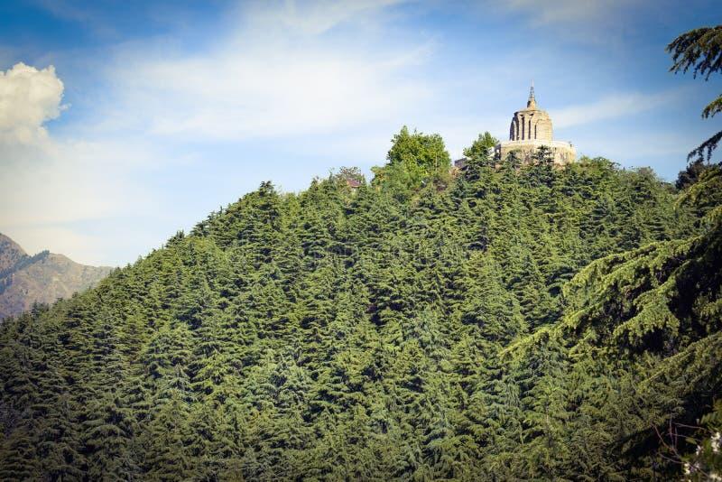 Tempio di Shankaracharya sopra la collina È ad un'altezza di 1.000 piedi sopra la pianura e trascura il ofSrinagardella città fotografia stock