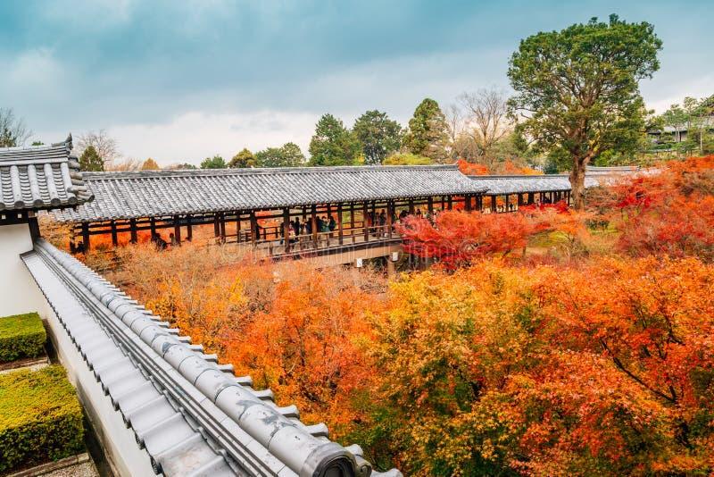 Tempio di Tofukuji con l'acero di autunno a Kyoto, Giappone fotografie stock