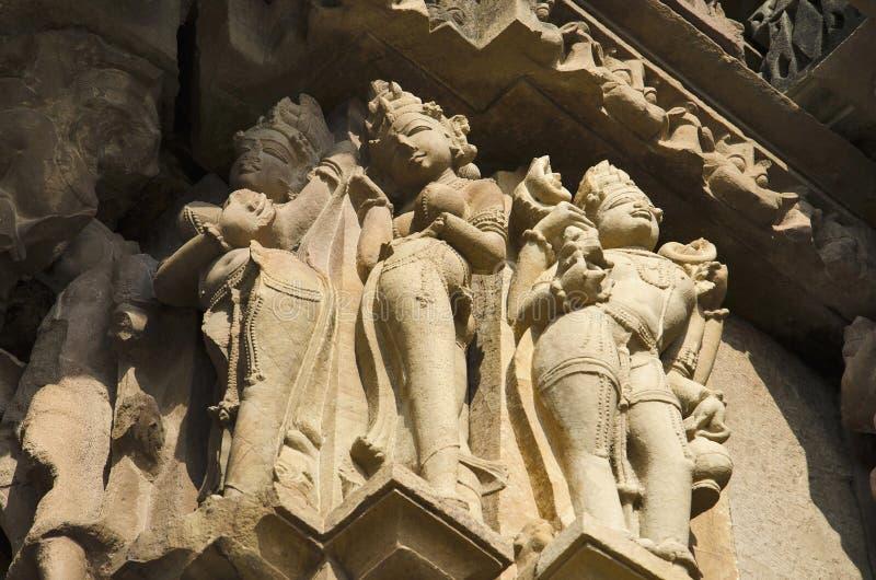 TEMPIO di VAMANA, sculture della parete - primo piano, gruppo orientale, Khajuraho, Madhya Pradesh, sito del patrimonio mondiale  fotografie stock libere da diritti