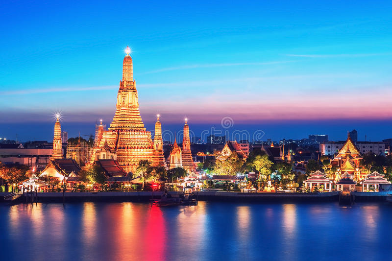 Tempio di vista di notte di Wat Arun a Bangkok fotografia stock