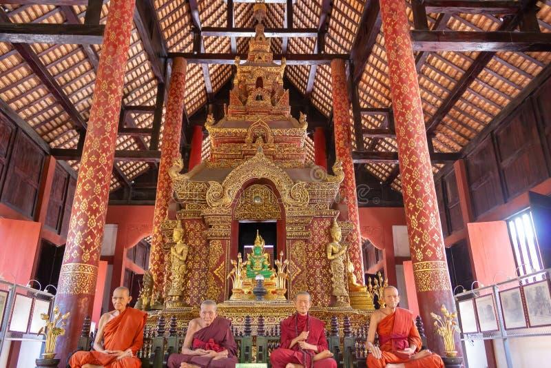 Tempio di Wat Phra Singh fotografia stock libera da diritti
