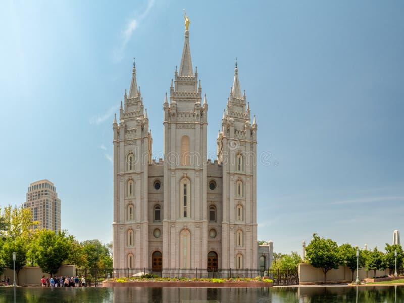 Tempio mormonico di Salt Lake della chiesa di Jesus Christ dei san dei giorni nostri sul quadrato del tempio la città, Utah immagini stock libere da diritti