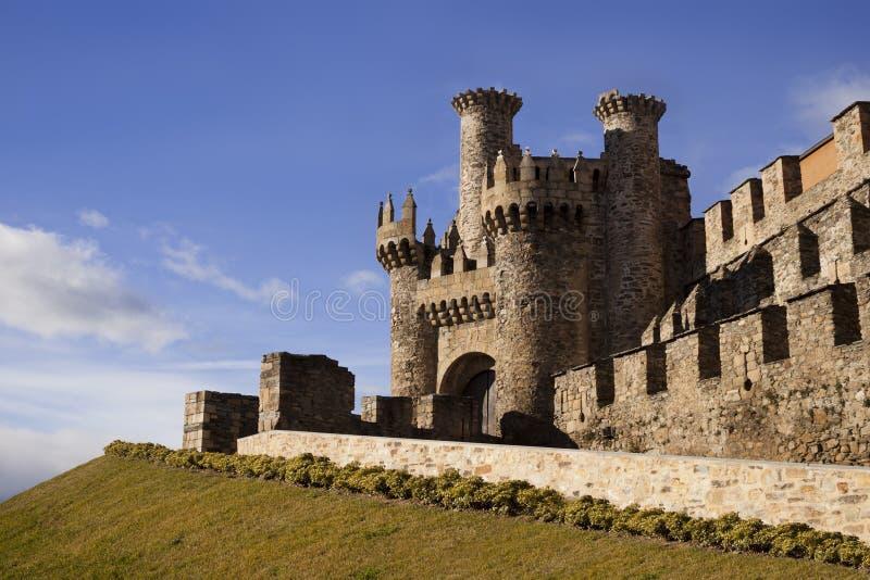 Templar slott i Ponferrada. fotografering för bildbyråer